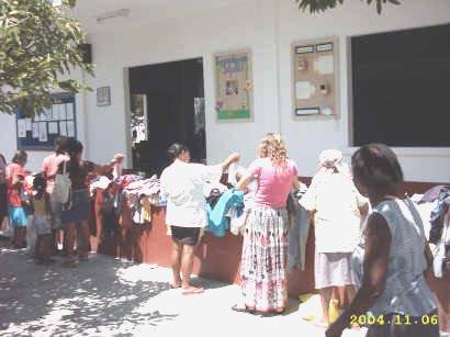 2004-sopa_roupas1