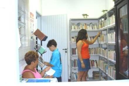 2005-04-02_Biblioteca_I_440
