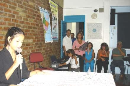 2005-05-08_Apresentadora_440