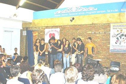 2005_Maes-mocidade_cantando2